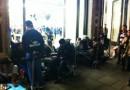 Tutti in fila per l'iPhone 4S